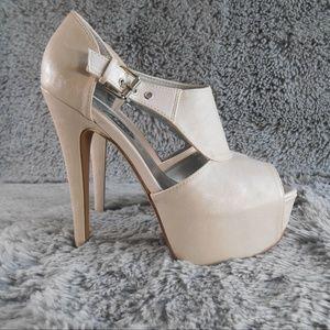 Shoes - Nude Peep Toe/Platform Heels  Sz Medium (7/8)